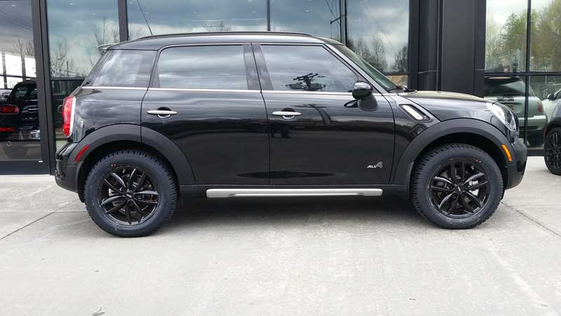 Black Lifted MINI Countryman_1