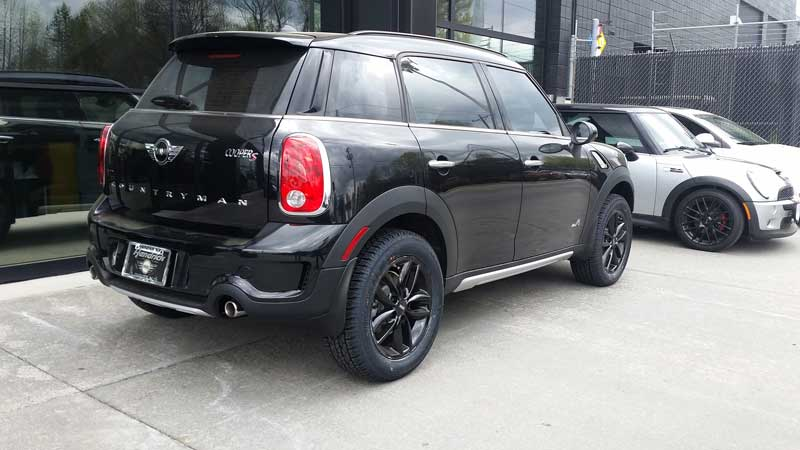 Black Lifted MINI Countryman_2
